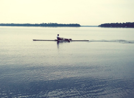 Rowing with my prosthesis on Lake Santa Fe